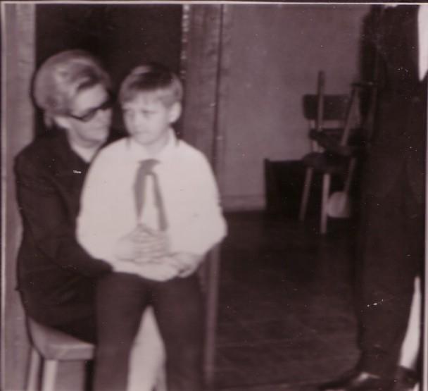 1969 - Burg - Frank mit Mutti